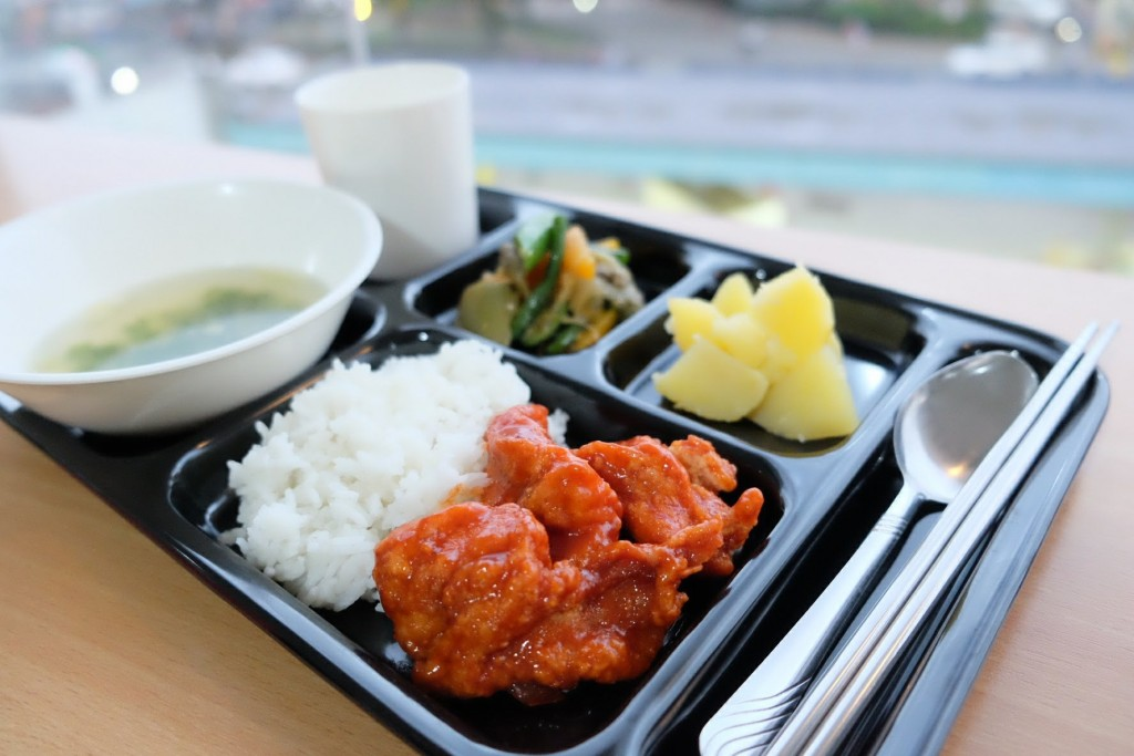 3D school meals_180402_0016_0