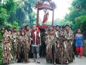 Lễ-hội-người-bùn-kì-lạ-ở-Philippines1-e1421652330289