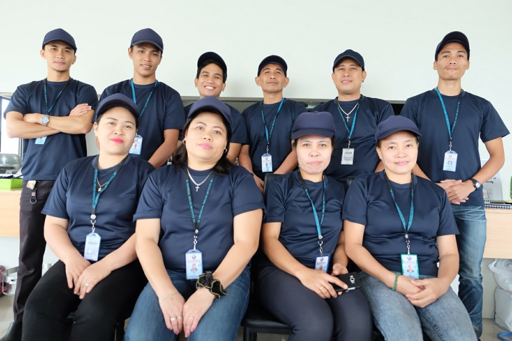 Kitchen staff2